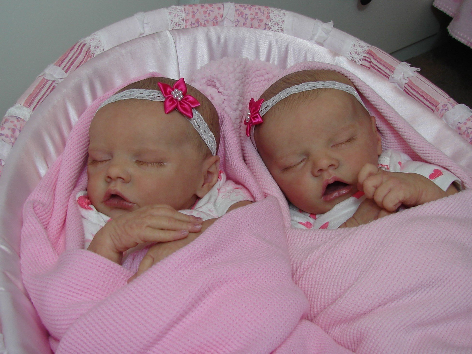 Pics Of Twin A And B By Bonnie Brown Baby Talk Bountiful Baby Customer Forum
